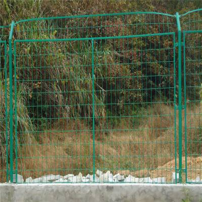 绿色围栏网运费 野兔围栏网批发商 海边隔离网