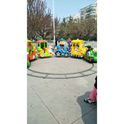 转圈做生意的小火车图片 小孩娱乐场所的小火车在哪订 流动赶会的轨道火车价位