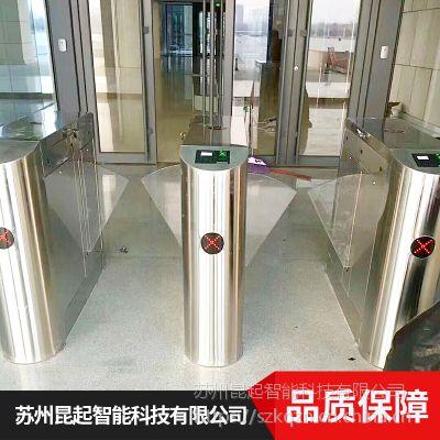 上海昆起高灵敏度道闸人脸识别系统价格合理欢迎选购