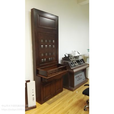 展柜设计 灯具展柜 展会专用烤漆木柜 光亚展灯样品陈列柜 机加工电工展示柜
