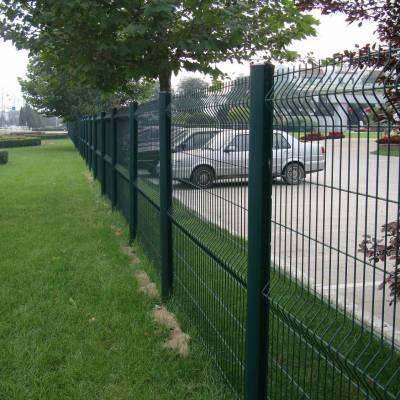 珠海绿化带隔离网现货 三折弯护栏网厂家 工厂围墙护栏型号