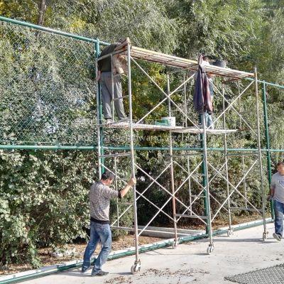 飞创在北京某大学球场围网施工图 有篮球场护网 足球场护栏同时开工