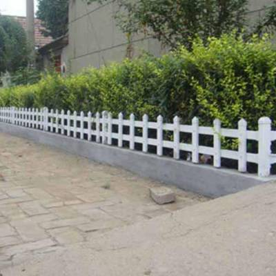 福建龙岩新罗塑钢护栏网 pvc护栏型材批发 pvc护栏好不好