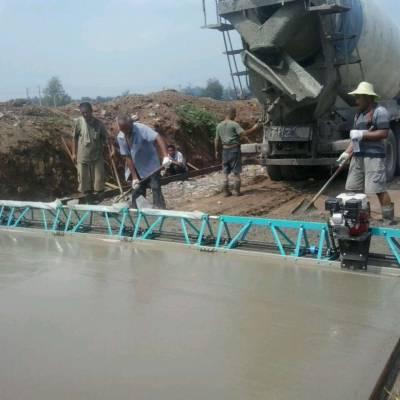 混凝土振动梁 路面桥面场地水泥震动摊铺整平机厂家