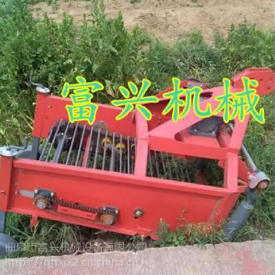 新型大蒜收获机视频 富兴牌 手扶拖拉机花生收获机厂家