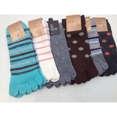 日盛外贸袜子大量现货批发外贸库存便宜男女袜子 百万外贸原单地摊棉袜批发