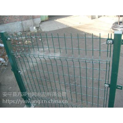 长沙市球场护栏网,小区围栏网,车间隔离栅厂家