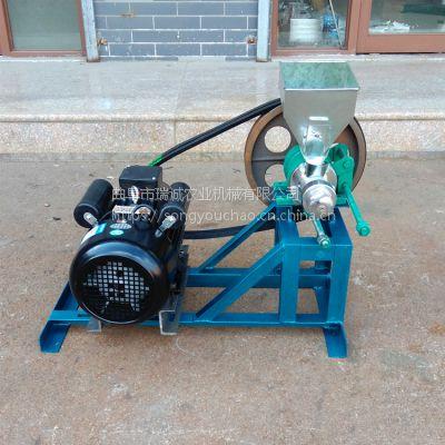 小型多功能食品膨化机、玉米碴子空心棒机 、玉米膨化机双螺杆