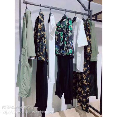 女装加盟黑白漠外贸服装批发货源女装批发厂家