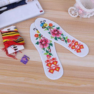 厂家供应多层纯棉透气吸汗十字绣鞋垫 手工精准绣花针孔鞋垫批发