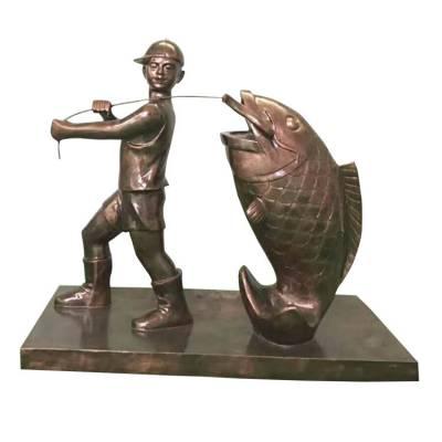 铸铜扛鱼男孩雕像玻璃钢背鱼小孩铜塑像仿铜捕鱼儿童钓鱼人物雕塑民俗渔文化渔民小品广场摆件