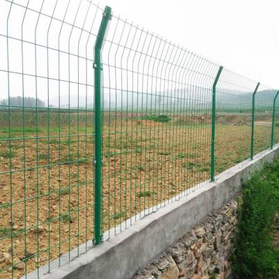 茂名工地施工围栏网供应_现货圈地护栏网_梅州包塑铁丝网定做