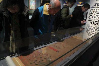 西藏历史文物在北京展出 多件展品为首次亮相
