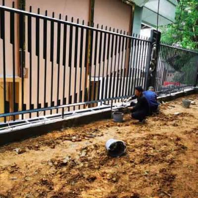 深圳赛车场专用围栏图片 广州驾校防撞护栏有哪一种