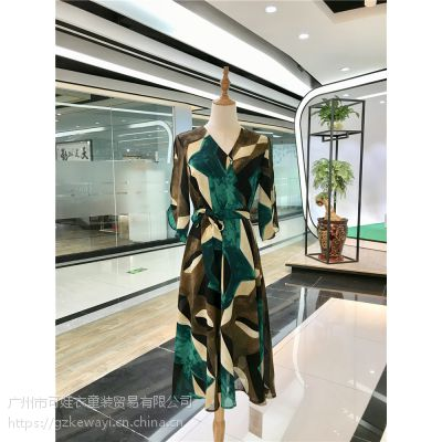新款连衣裙女装 时尚 品牌折扣店货源 一手货源走份批发