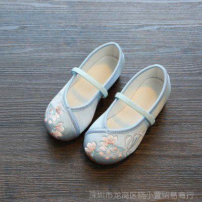 中国风古典绸缎儿童绣花鞋女童民族古装布鞋汉服鞋演舞蹈鞋