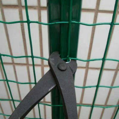 1.5米高30米长种植园林圈地铁丝围栏网 东营绿色钢丝围栏网