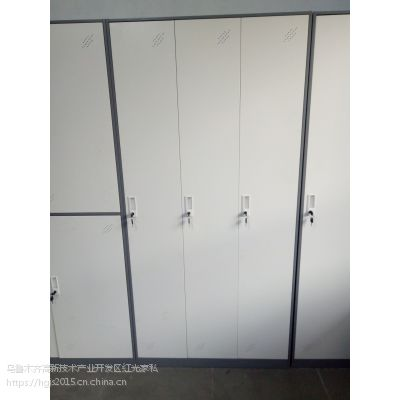 更衣柜新疆科美铁皮更衣柜 KM-001型钢制员工衣柜定制厂家