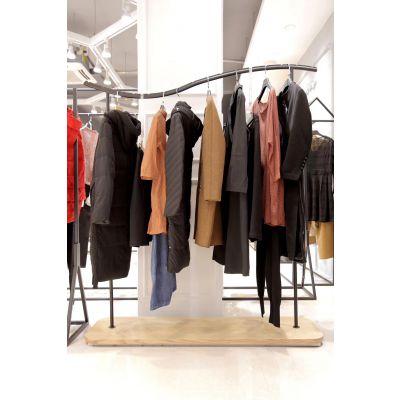 武汉品牌女装折扣店一手货源在哪里进货18秋高贵典雅谷可毛呢外套