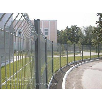 三角折弯护栏网|润程专注10年|高强度三角折弯护栏网