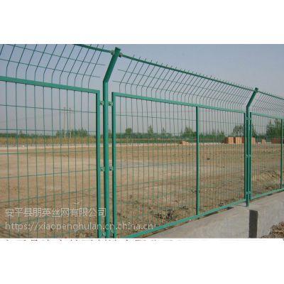 朋英公路框架护栏网 浸塑绿色铁丝网 双边丝围网 隔离栏