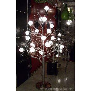 铝丝圣诞树落地灯厂家批发创意酒店大堂超市门口喜庆装饰苹果树厂