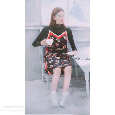 慕拉秋女装批发选哪个厂家比较好青海品牌折扣女装走份尾货加盟店魔美名作