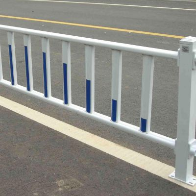 市政道路护栏 城市公路隔离栏 交通防撞栏