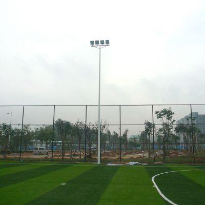 室外足球场选用四角灯光布置还是边线平行灯光布置
