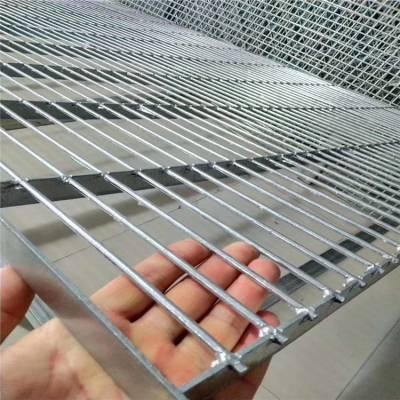 格栅板踏步 花纹钢踏步板 格栅板生产厂家