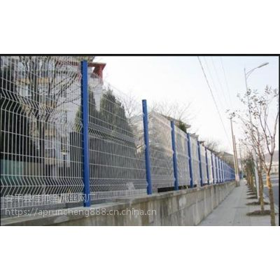 三角折弯护栏网、润程专注10年、金山三角折弯护栏网直销
