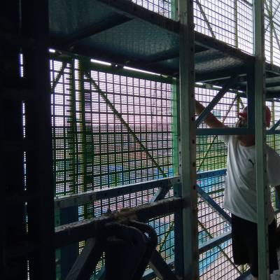 波浪板爬架网厂家 金属爬架网片 喷塑外架网