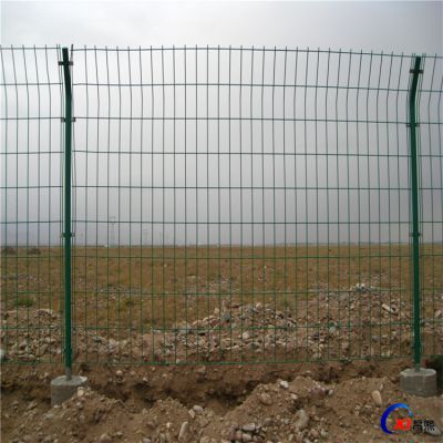 厂家直销场地围栏网 铁丝网围栏网 铁丝网隔离网