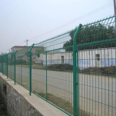 肇庆大型工厂围栏网,围墙装饰护栏网,广州桃型柱护栏网现货