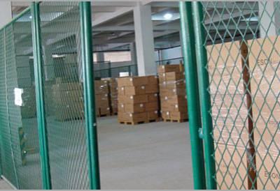 菱型热镀锌钢板网护栏规格/冠成