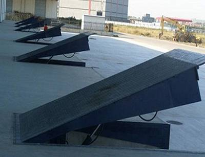 DCQG-6 固定登车桥,济南登车桥,厂家销售卸车台