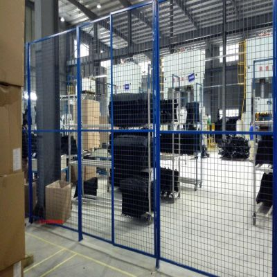 雄丰 专业安装车间隔离网 浸塑车间 场地护栏网供应商