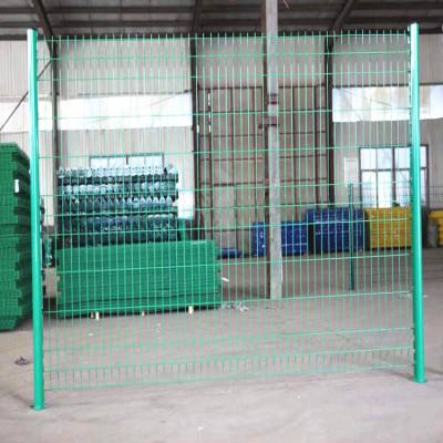 新疆围栏网厂家 浸塑铁丝网 高速防护网价格