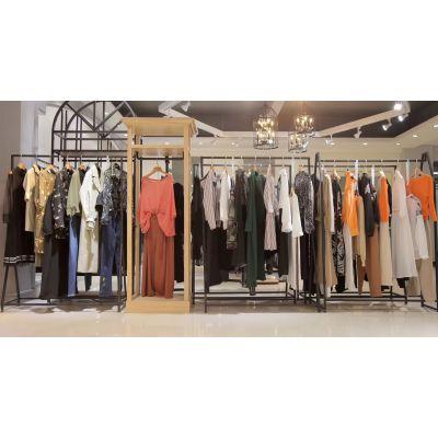 武汉品牌女装折扣店哪个牌子好18秋时尚都市白领昆诗兰风衣