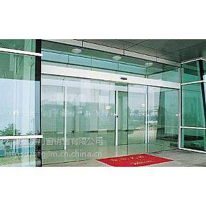 天津河西区安装玻璃门不断创新
