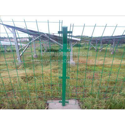 现货双边丝护栏网、高速公路隔离栏、养殖防护围栏网、Q235材质、润昂现货供应