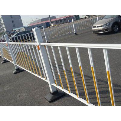 朋英 厂家供应 道路防撞护栏 锌钢喷塑围挡白红色