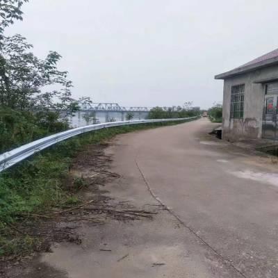 英德双波护栏 双波围栏价格 广州国道隔离栏