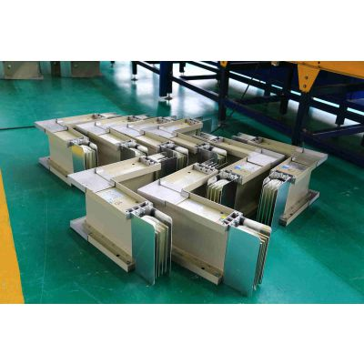 CIMG0645母线槽_母线装配线_母线插口插座