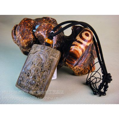 供应木檀世家印尼沉香把件水沉油结挂件 手工雕西藏绿度母菩萨吊坠子