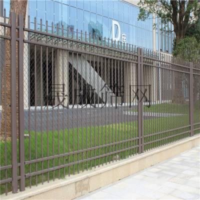 珠海组装围墙栅栏厂家 工业园外墙钢管护栏 清远铁艺护栏包安装