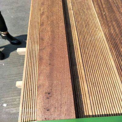 印尼菠萝格板材批发,上海申扬菠萝格定尺加工,菠萝格园林景观工程