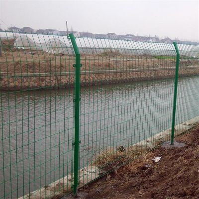 1.8米铁丝网 Y型柱护栏 刀片滚笼护栏网
