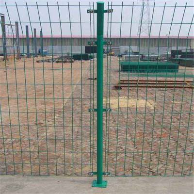 道路隔离栅栏 房山区浸塑防护栏 园林景区安全铁丝网围栏厂家