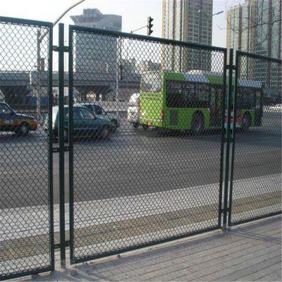 篮球场防护网 球场护栏 围墙护栏施工